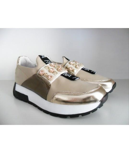 Sneakers Avec Des Applications Fracomina