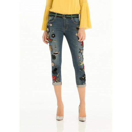 Jeans Modello Boyfriend Con Applicazioni Fracomina